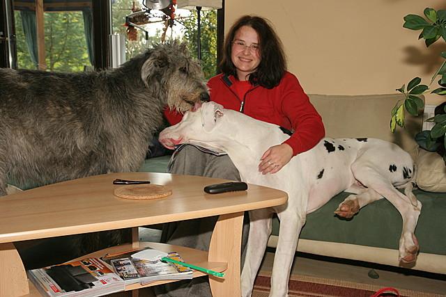 Kimba auf Petra mit Annie